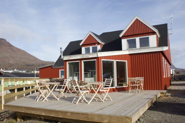 Hotel Disko Island terrace